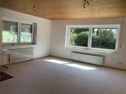 Schöne, helle 2-Zimmer Wohnung in Magstadt, (Kreis Böblingen)
