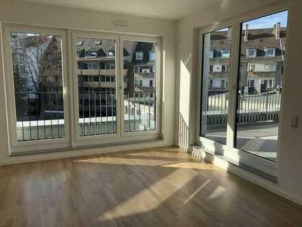 Erstbezug! Hochwertige 2-Zimmer Wohnung mit EBK und Terrasse in D-Unterbilk