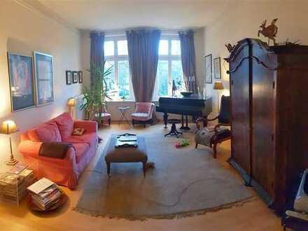 Große Altbauwohnung in Ottensen. 5 und 2 x 1/2 Zimmerwohnung ab sofort bezugsfertig