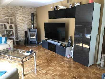 Große ruhige 4,5-Zimmer-Wohnung mit Balkon und allem in der Nähe, in Oberndorf-Lindenhof