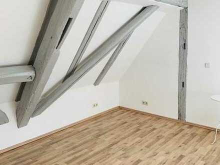 2 Zimmer-Dachgeschoßwohnung mit Charakter am Fuße der Marbacher Altstadt