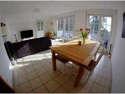 Schöne, helle 3-Zimmer-Wohnung mit großem Balkon