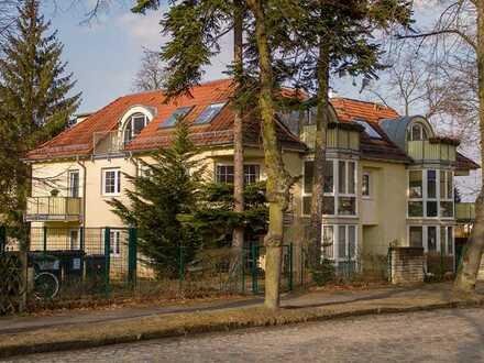 1 Zimmer mit 2 Balkonen und Wannenbad