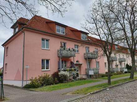 Preiswerte, modernisierte 1,5-Zimmer-Dachgeschosswohnung mit Einbauküche in bevorzugter Lage