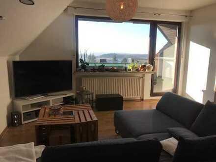 Freundliche 3-Zimmer-Dachgeschosswohnung mit West-Balkon und Einbauküche in Breckerfeld