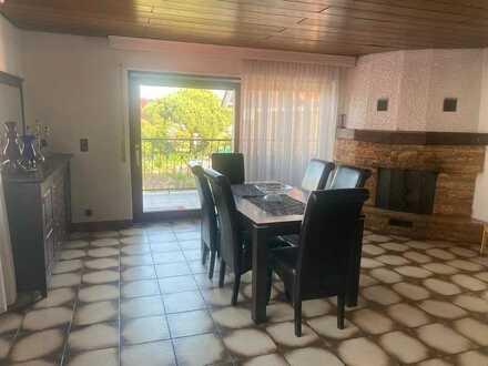 Modernisierte 3,5-Raum-Wohnung mit Balkon und Einbauküche, in Waghäusel - Kirrlach