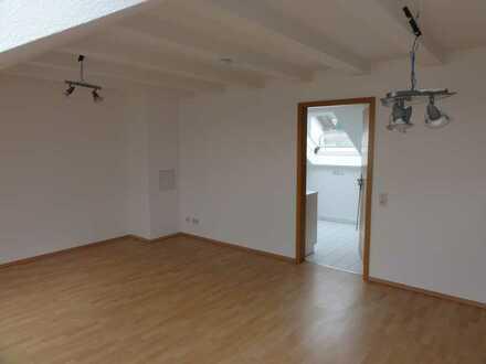 Tolle Dachgeschosswohnung in Haibach zu vermieten !
