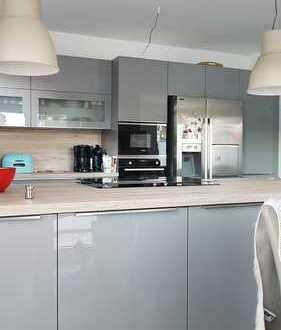 Fast Erstbezug 3-Zimmer-EG-Wohnung im Energieeffizenzhaus mit grosser Terasse und EBK in BS Veltenh.