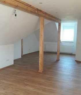 Erstbezug: geräumige 2-Zimmer-Dachgeschosswohnung zur Miete in Selb