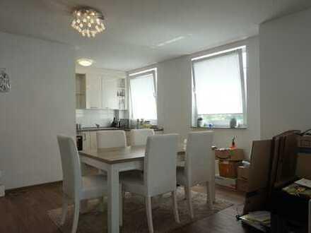 Schöne 2-Zimmer-Wohnung mit offener Wohnküche und großzügigem Balkon!