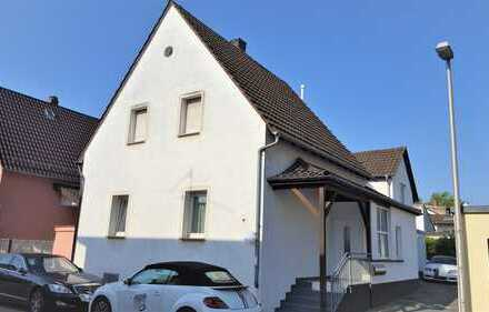 Ideales Investment * gepflegtes Anwesen mit 3 separaten Wohneinheiten in ruhiger Lage *