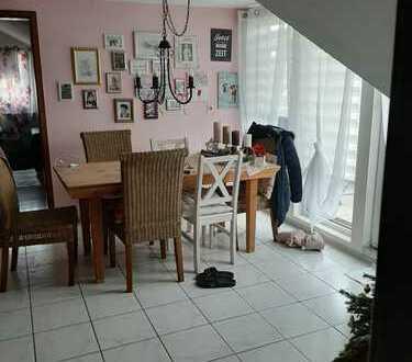 Gepflegte 3-Zimmer-Dachgeschosswohnung mit Balkon in Keltern