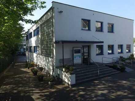 RASCH Industrie: Verkauf eines repräsentativen Büro-/Praxishauses mit Lagerflächen in Essen-Borbeck
