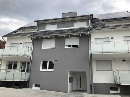 Neubau - tolle Maisonette mit Garage, Loggia + Balkon