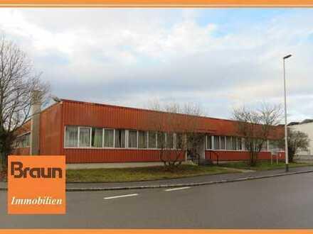 Industriehalle, Lager oder Produktionsfläche inkl. Bürotrakt und Sozialräumen zu vermieten
