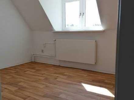 ++ Renovierte 2-Zimmer-Wohnung in zentraler Lage ++