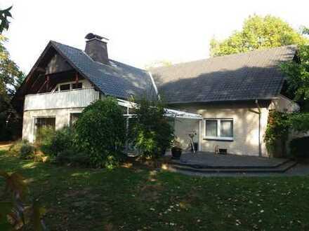 Exclusives Ein-/Zweifamilienhaus mit großem Grundstück