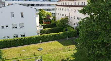 Ingolstadt-Süd, Mercystraße, schöne 2 ZKB Wohnung im 2. Obergeschoss