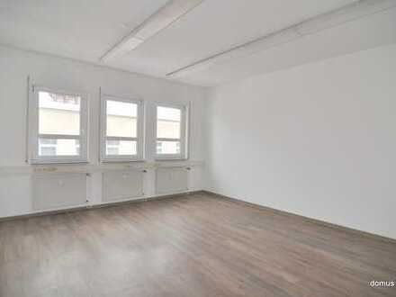 ** Schöne Büroetage in guter Stadtlage ** teilbar ** 181 m² mit EBK - WC getrennt **