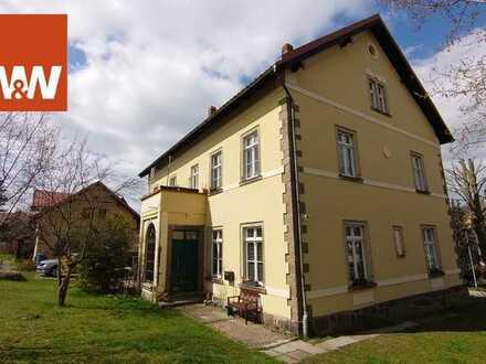 Moderne Wohnung im historischen Flair - 4-Zimmer-Wohnung mit großem Garten