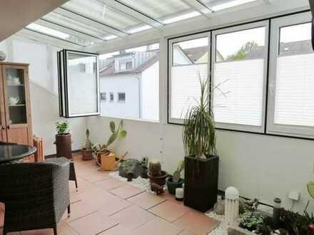 Helle und freundliche DG-Wohnung mit TG-Stellplatz und Außenstellplatz -Was möchte Mann/Frau mehr!
