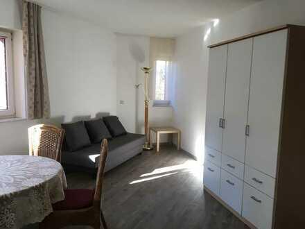 270 €, 22m², 1 Zimmer, möbliert, Küche, Bad, Stellplatz