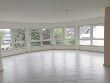 Helle, großzügige 4-Zimmer-Wohnung in Leverkusen-Schlebusch