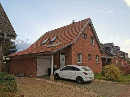 Freihstehendes Einfamilienhaus mit großem Südgarten in Randlage von Rees-Mehr