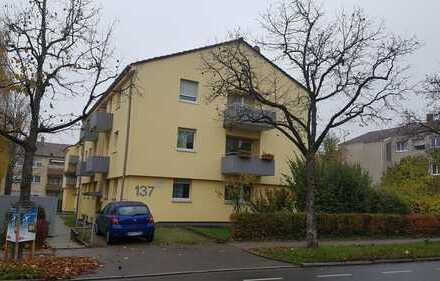 3-Zimmerwohnung im 2.Obergeschoss in Fellbach. 7 Minuten Fußweg zur Stadtbahnhaltestelle.