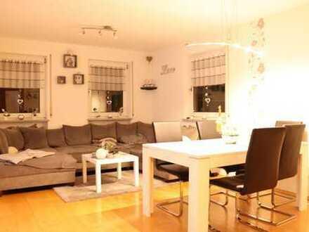 Schöne 4-Zimmer-Wohnung mit Balkon in kleinem Mehrfamilienhaus in Bindlach-Ortsmitte