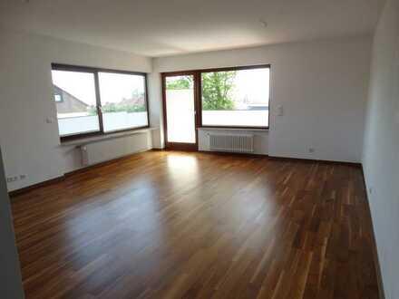 Neustadt-Gimmeldingen; Großzügige 2-Zimmer-EG-Wohnung mit Terrasse und Blick über die Rheinebene