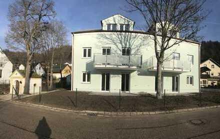 Erstbezug: 2-Zimmer-DG-Wohnung mit Balkon in Essing KfW 55 Förderung beziehen.