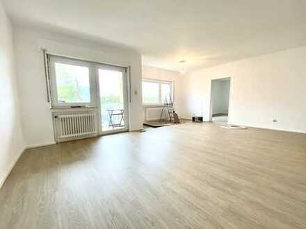 Großzügige 3 Zimmer-Wohnung mit Einbauküche und Balkon in Frankfurt-Goldstein!