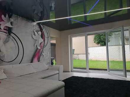 PROVISIONSFREI !!! Neuwertige Moderne Anspruchsvolle 4,5 Zimmer Wohnung im Erdgeschoss