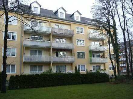 Ruhige, sonnige 3 Zimmer-Wohnung mit Balkon