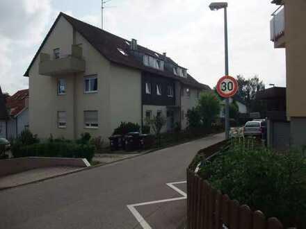 Gepflegte 4-Zimmer-Wohnung mit Balkon und EBK in Filderstadt-Bernhausen