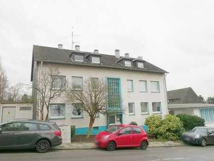 *Alles Neu!!* Gut aufgeteilte helle 3 Raum Wohnung mit Balkon, 1. Etage!