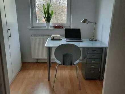 Gepflegte 3-Zimmer-Dachgeschosswohnung mit EBK in Bremen