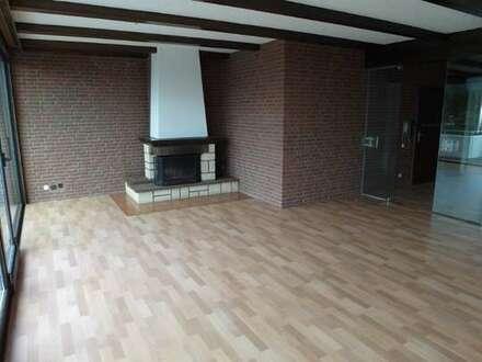 Hell & zentral gelegene 2 Zimmerwohnung mit Kamin in Wesernähe