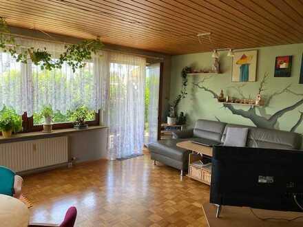 Helle großzügige 2-Zi.-Whg. mit Terrasse u. Gartenanteil 72,2 qm Wfl. in 71144 Steinenbronn b.LE