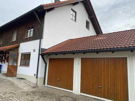 Doppelhaushälfte mit Doppelgarage