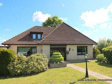 Familien Willkommen ! Geräumiges 6 Zimmer Einfamilienhaus mit Vollkeller und Garage in Ochsenwerder