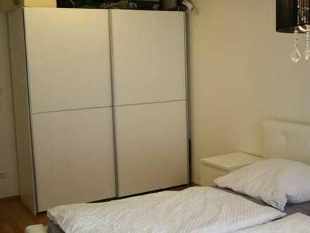 Von privat 2-Zimmer-Wohnung mit Balkon und Einbauküche in Bad Soden