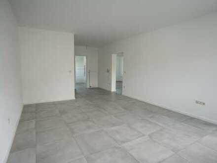 Komplett Modernisierte 3 Zimmer Wohnung