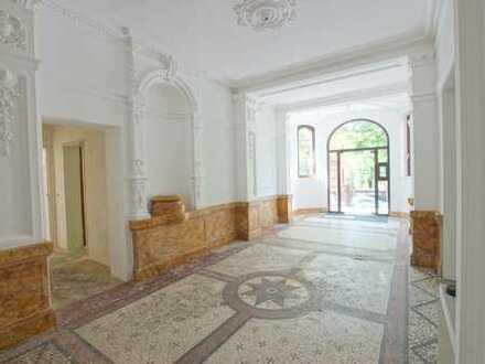 Büro- / Praxis- Erdgeschoss-Etage in Altbau-Villa