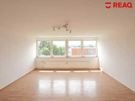 Gut aufgeteilte 3er-WG-Wohnung mit 4 Zimmern, gegenüber der FH Aachen, 290,-€ Warmmiete p. P.!