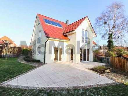 Neuwertiger Familientraum im Umland von Hannover: 7-Zi.-EFH mit Kamin, moderner EBK und Südterrasse