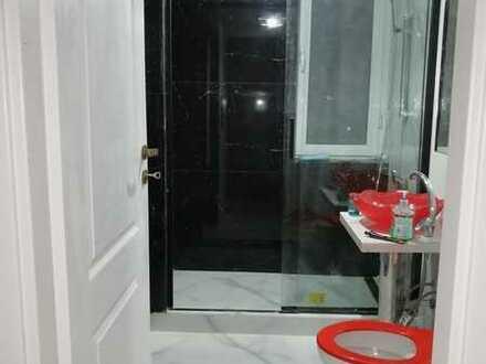 Modernisierte 2-Raum-Wohnung mit Balkon und Einbauküche in Wemding