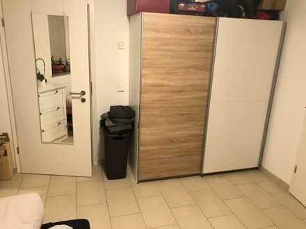 2-Zimmer-Souterrain-Wohnung mit Fußbodenheizung und Einbauküche in Stuttgart
