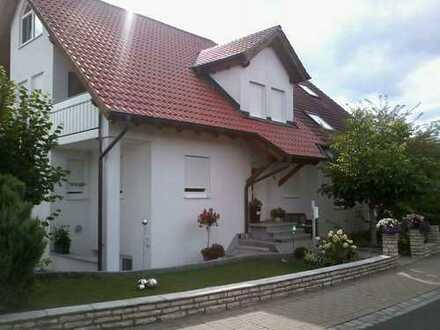 Von Privat zu vermieten - Großzügige DHH mit Studio - 160 m2 + Einliegerwohnung